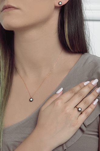 Σκουλαρίκια Pearl Black Dots